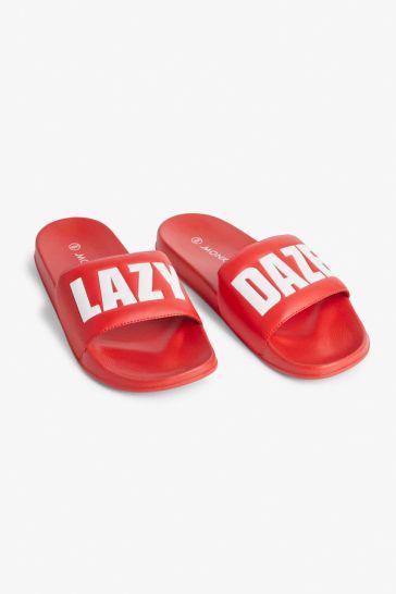 Beach slippers by Monki €6