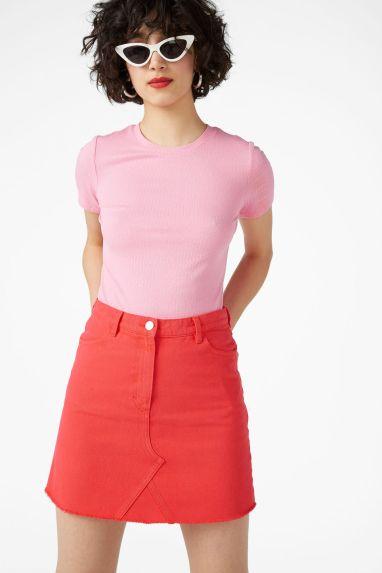 Frayed hem denim skirt by Monki€12