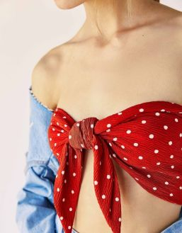 Polka Dot Tied Up Top by Berskha €5,99